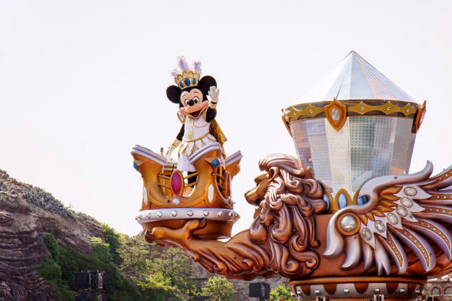 Tokyo Mickey Mouse Japan Disney 832110 768x510 1 - How to Plan Your Trip to Tokyo Disneyland and DisneySea